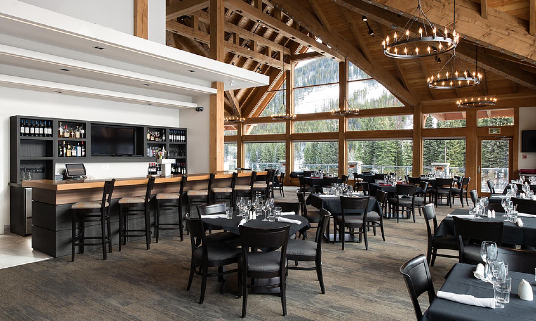 Cliffhanger restaurant panorama mountain resort