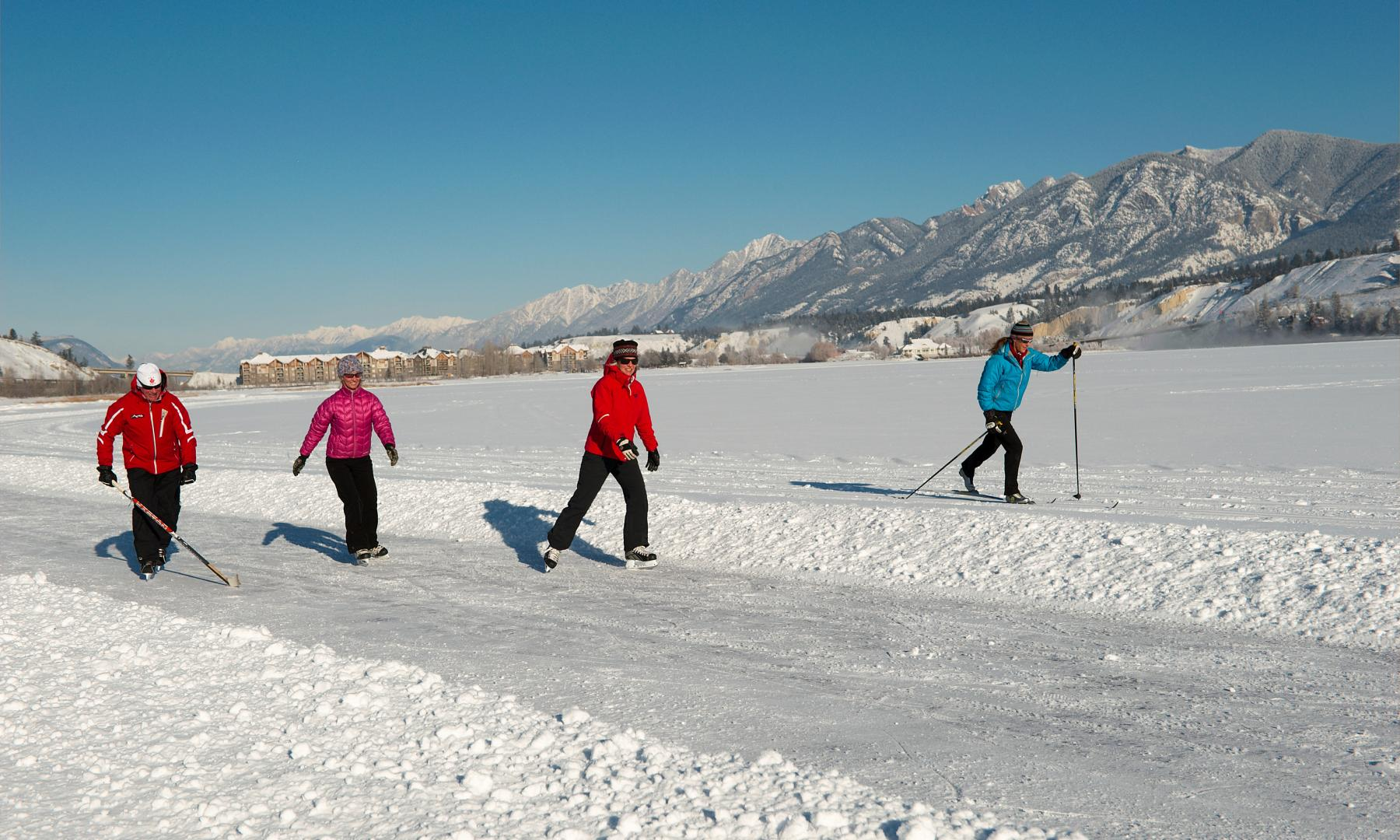 group skating xc